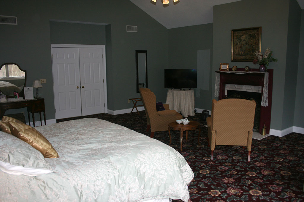 Queen Anne Suite
